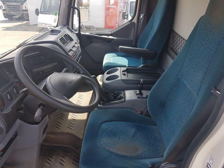 Camión Daf LF Caja cerrada 45.150 BLANC - 11