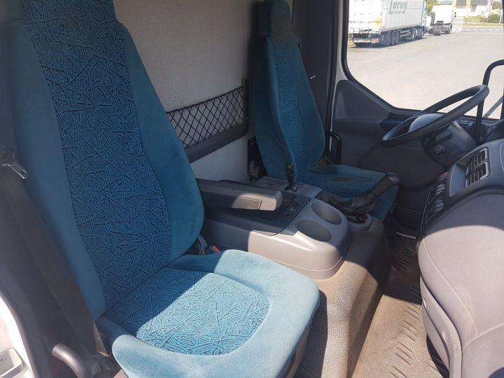 Camión Daf LF Caja cerrada 45.150 BLANC - 12