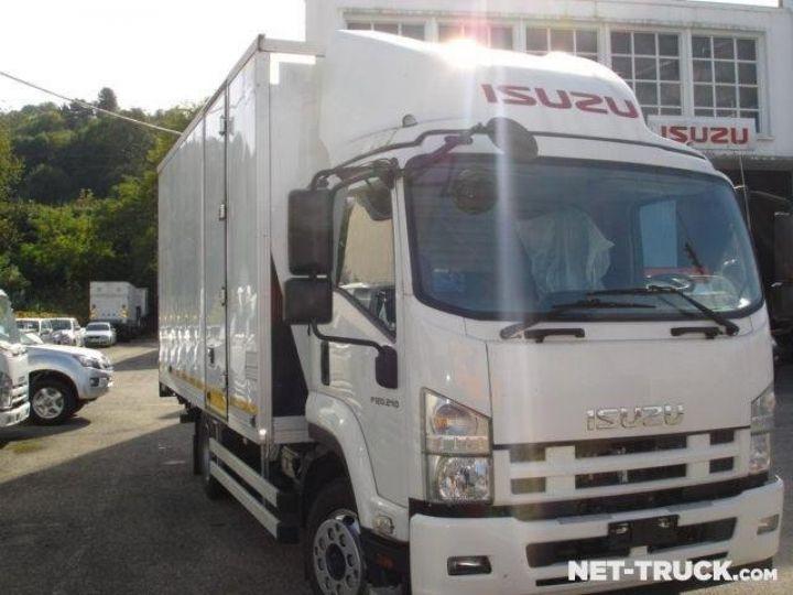 Camión Isuzu NQR Caja cerrada + Plataforma elevadora  - 1