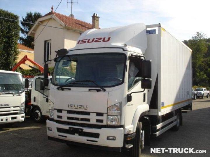 Camión Isuzu NQR Caja cerrada + Plataforma elevadora  - 2