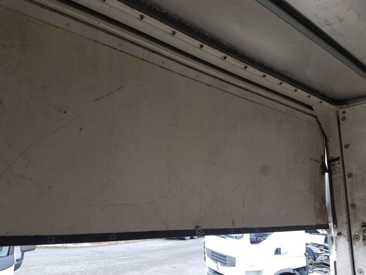 Camión Renault Premium Caja cerrada + Plataforma elevadora 220dci.16 - Moteur en panne / pour pièces BLANC - 11