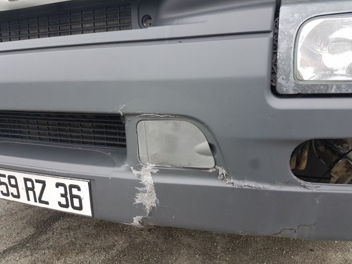 Camión Renault Premium Caja cerrada + Plataforma elevadora 220dci.16 - Moteur en panne / pour pièces BLANC - 17