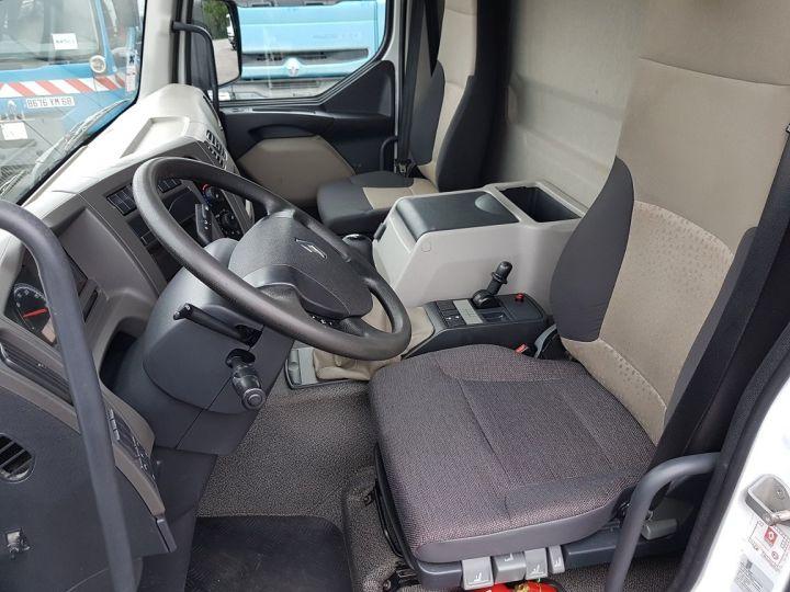 Camión Renault Premium Caja cerrada + Plataforma elevadora 270dxi.19D - FOURGON 7m50 BLANC - 19