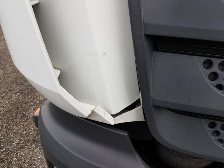 Camión Mercedes Atego Caja frigorífica 1318 NL euro 6 - BI-TEMPERATURE BLANC - 18