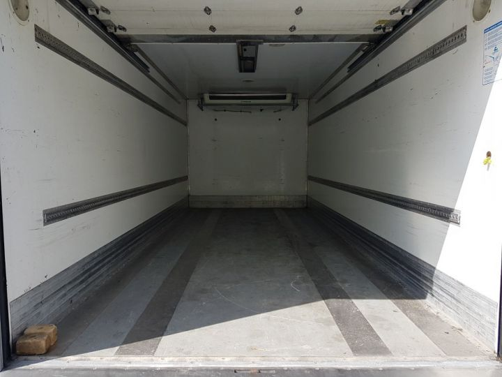 Camión Renault Midlum Caja frigorífica 220dxi.12 BLANC - 9