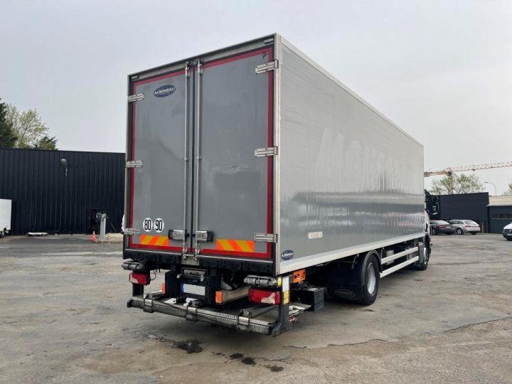 Camión Scania P Caja frigorífica 320  - 2
