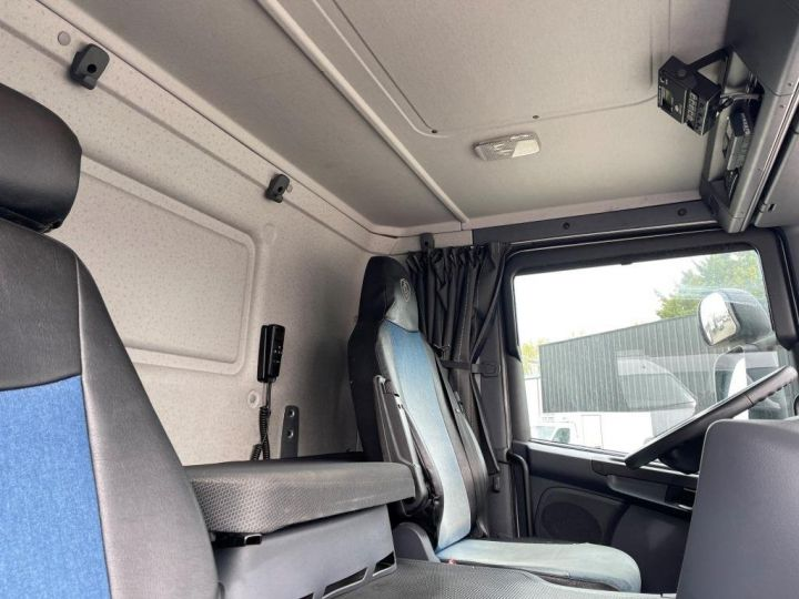 Camión Scania P Caja frigorífica 320  - 15