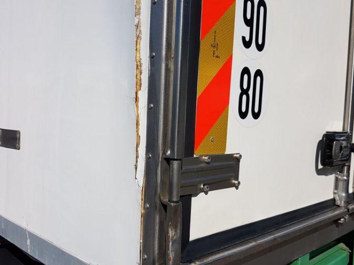 Camión Volvo FL Caja frigorífica 180.12 - FRIGO 25m3 - 154000 kms BLANC - VERT - 10
