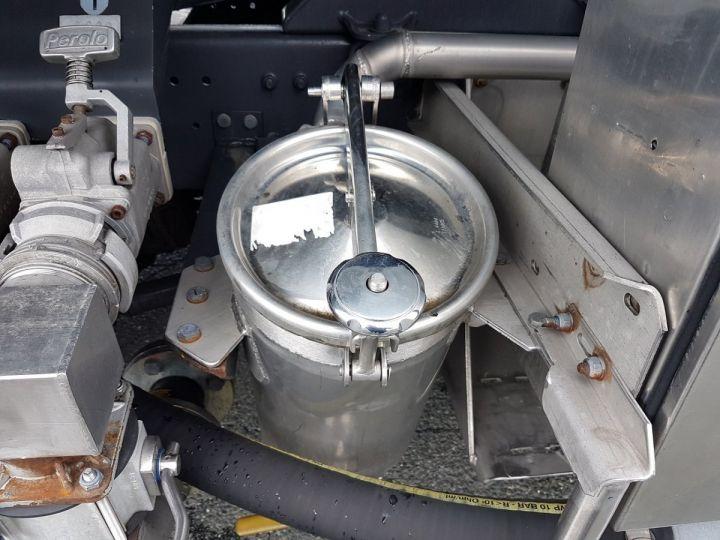 Camión Renault Premium Cisterna hydrocarburos 320dci.19D CITERNE A HUILE ROUGE et BLANC - 8