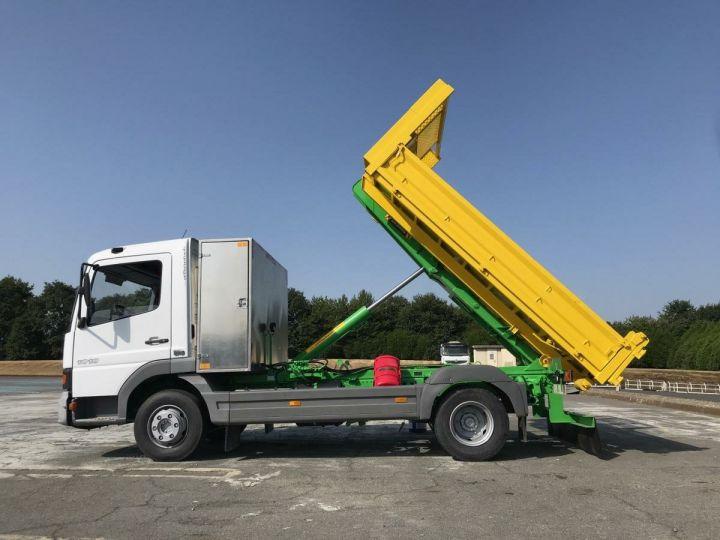 Camion porteur Mercedes Atego Ampliroll Polybenne Blanc et vert - 1
