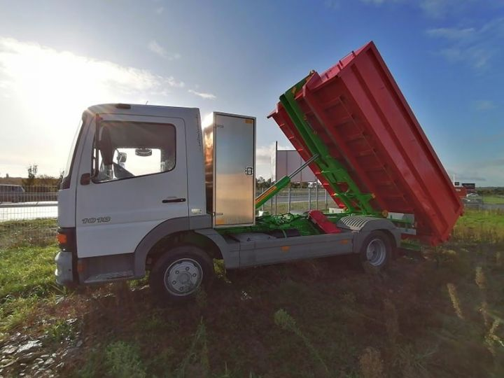 Camion porteur Mercedes Atego Ampliroll Polybenne Blanc et vert - 6