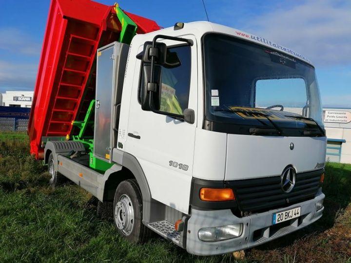 Camion porteur Mercedes Atego Ampliroll Polybenne Blanc et vert - 8