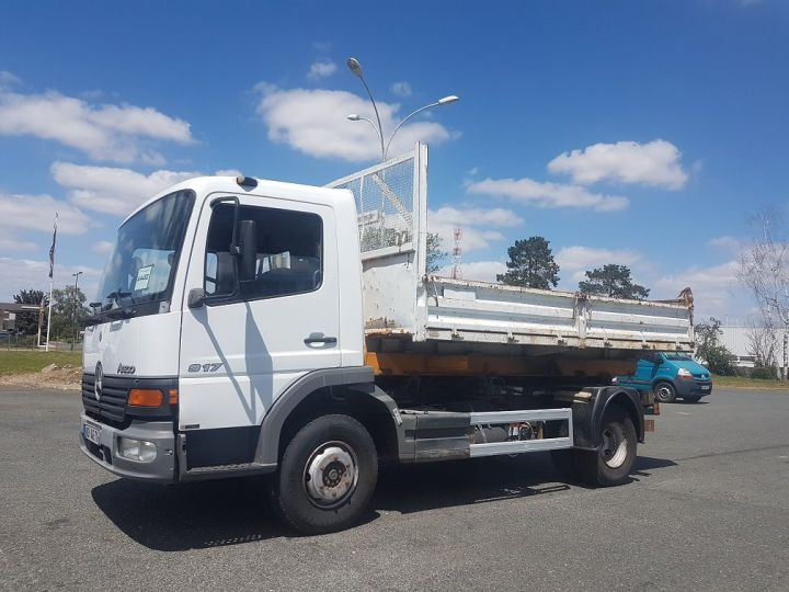 Camion porteur Mercedes Atego Ampliroll Polybenne 917 KN - GUIMA BL6 + 1 benne BLANC Occasion - 1