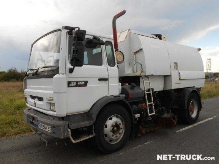 Camion porteur Renault Midliner Balayeuse - Laveuse  - 1