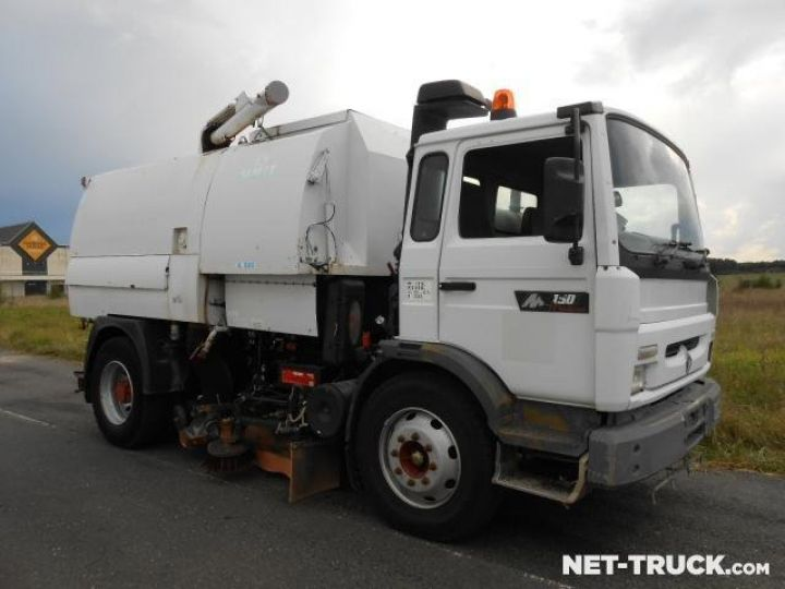 Camion porteur Renault Midliner Balayeuse - Laveuse  - 5