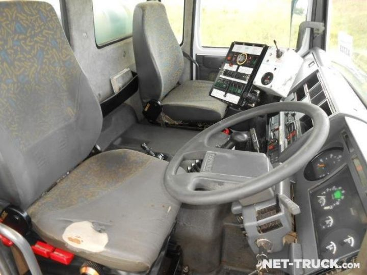 Camion porteur Renault Midliner Balayeuse - Laveuse  - 10