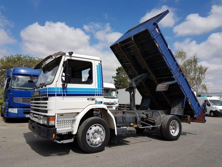 Camion porteur Scania P Benne arrière 93 M 210 BLANC - BLEU Occasion - 2