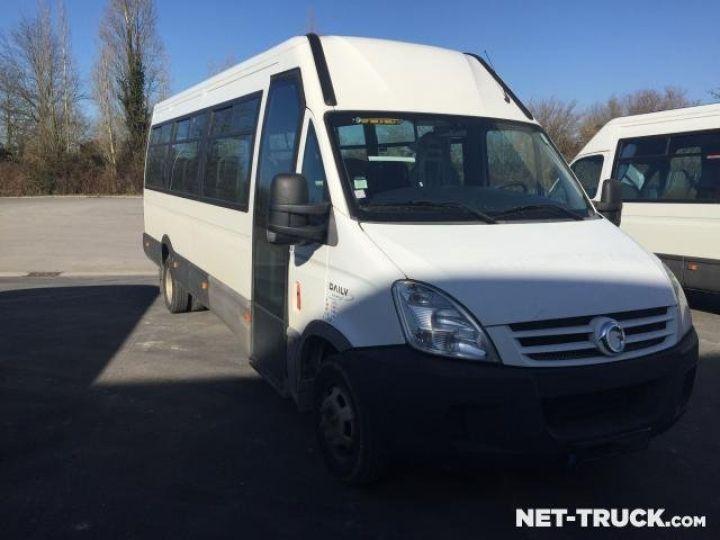 Camion porteur Iveco Daily Bus et Cars  - 2