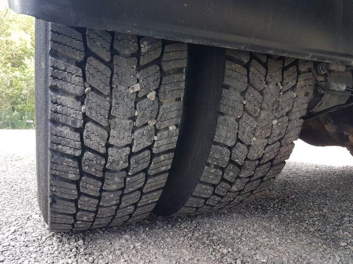 Camion porteur Renault Midlum Caisse fourgon + Hayon élévateur 270dxi.14 Fourgon 8m50 BLANC - BLEU - 18