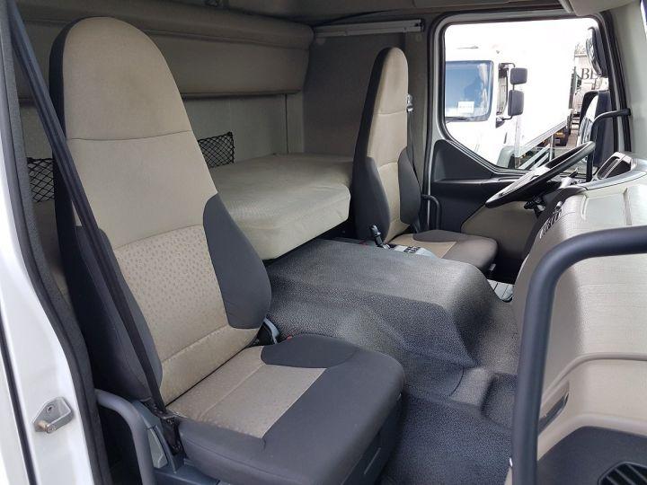 Camion porteur Renault Premium Caisse fourgon + Hayon élévateur 310dxi.19D PRIVILEGE - Fourgon abimé BLANC - 17