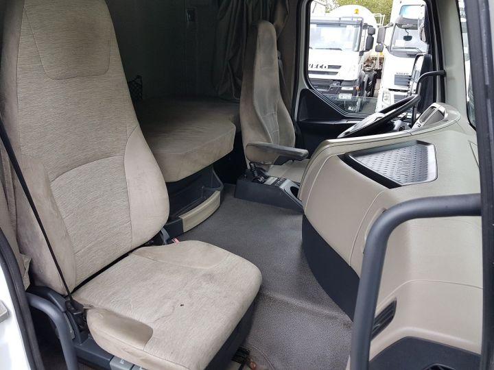 Camion porteur Renault Premium Caisse fourgon + Hayon élévateur 450dxi + SAMRO - COMBI BOX 104m3 BLANC Occasion - 17