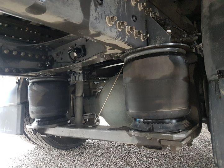 Camion porteur Renault D Caisse fourgon + Hayon élévateur 12.210dti FOURGON 6m50 BLANC - 10