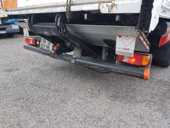 Camion porteur Renault D Caisse fourgon + Hayon élévateur 12.210dti FOURGON 6m50 BLANC - 11