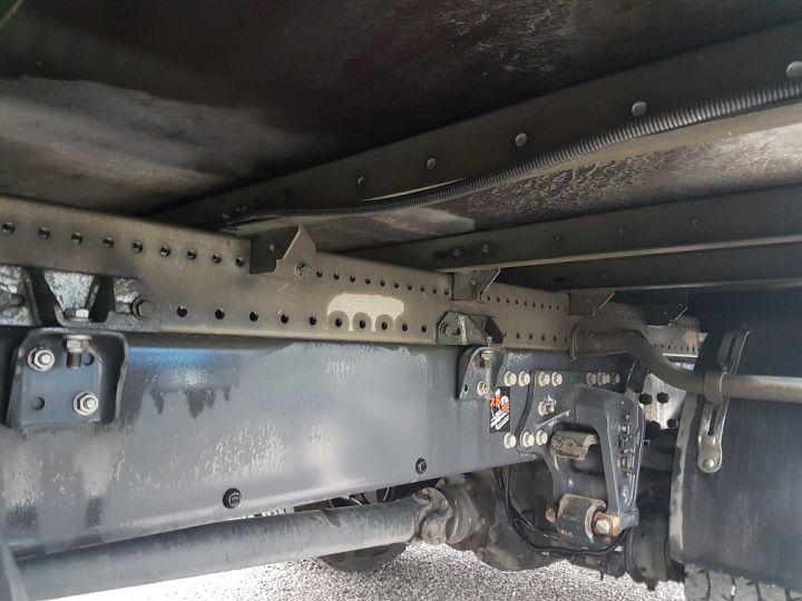 Camion porteur Renault D Caisse fourgon + Hayon élévateur 12.210dti FOURGON 6m50 BLANC - 17