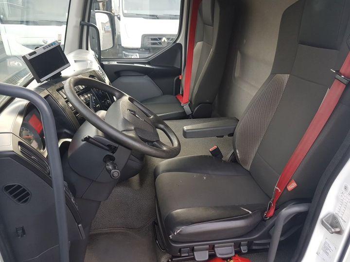 Camion porteur Renault D Caisse fourgon + Hayon élévateur 12.210dti FOURGON 7m50 BLANC - 16