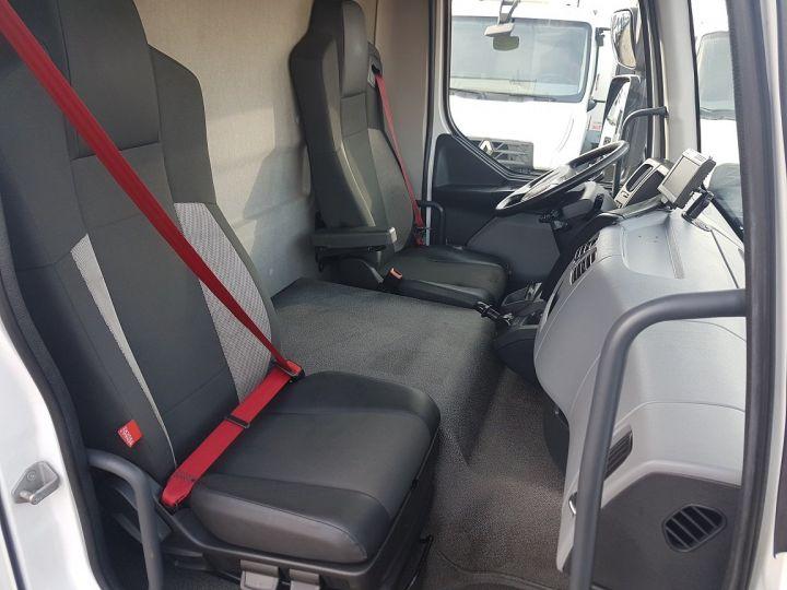Camion porteur Renault D Caisse fourgon + Hayon élévateur MED 12.210dti FOURGON 6m50 BLANC - 20