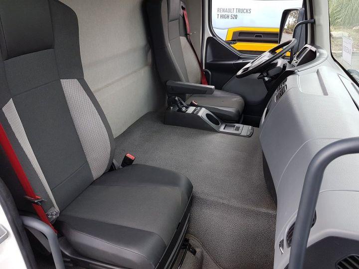 Camion porteur Renault D Caisse fourgon + Hayon élévateur WIDE 19.280dti - Fourgon 9m40 BLANC - 20