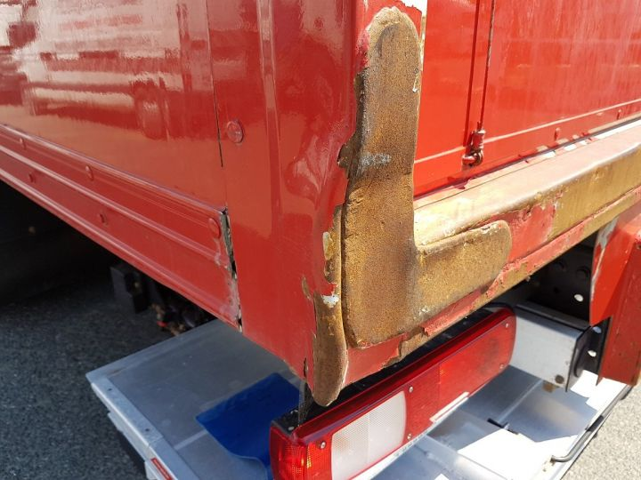 Camion porteur Renault D Caisse fourgon + Hayon élévateur WIDE 19.320dti ROUGE Occasion - 10