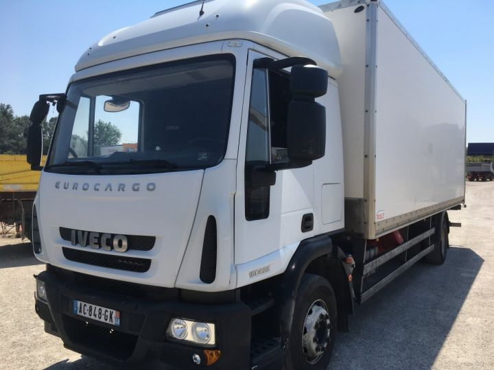 Camion porteur Iveco EuroCargo Caisse Fourgon Blanc  - 1
