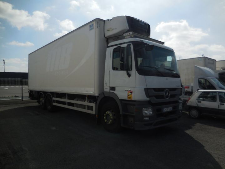 Camion porteur Mercedes Actros Caisse frigorifique 2532 NLG EURO 5  - 1