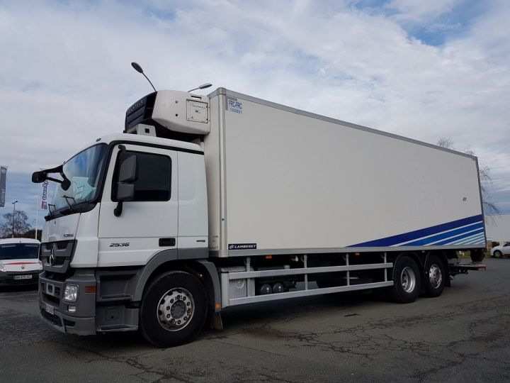 Camion porteur Mercedes Actros Caisse frigorifique 2536 NL 6x2 RETARDER BLANC - BLEU Occasion - 1