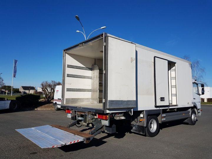 Camion porteur Mercedes Atego Caisse frigorifique 1317 FRIGO MAGASIN BLANC - 3