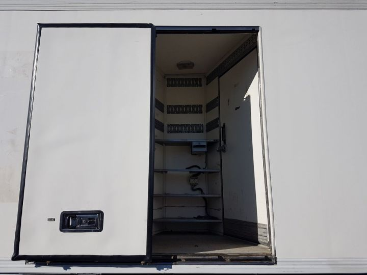 Camion porteur Mercedes Atego Caisse frigorifique 1317 FRIGO MAGASIN BLANC Occasion - 11