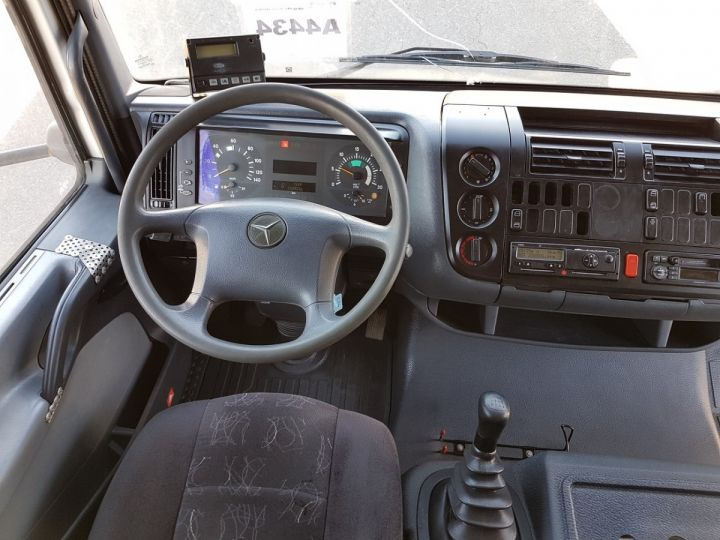 Camion porteur Mercedes Atego Caisse frigorifique 1317 FRIGO MAGASIN BLANC Occasion - 17