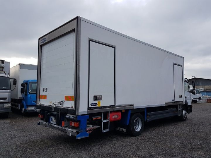 Camion porteur Mercedes Atego Caisse frigorifique 1318 NL euro 6 - BI-TEMPERATURE BLANC - 2