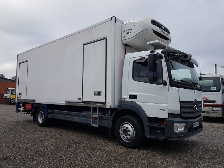 Camion porteur Mercedes Atego Caisse frigorifique 1318 NL euro 6 - BI-TEMPERATURE BLANC - 4