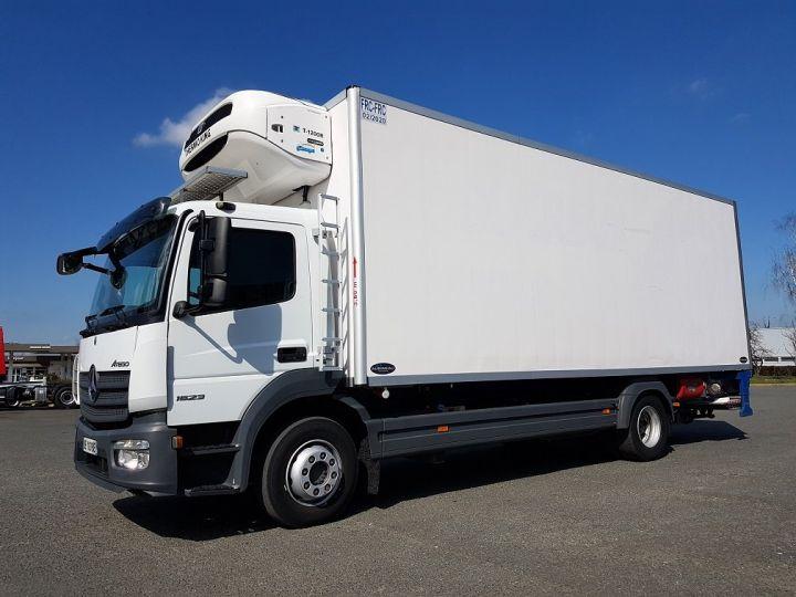 Camion porteur Mercedes Atego Caisse frigorifique 1523 Bluetec 6 BLANC - 1