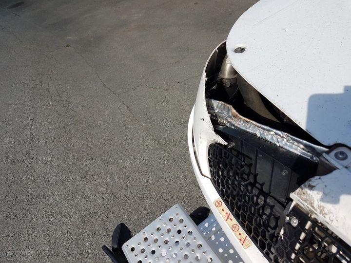 Camion porteur Mercedes Atego Caisse frigorifique 1523 Bluetec 6 BLANC - 16