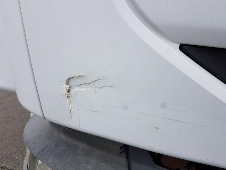 Camion porteur Renault Midlum Caisse frigorifique 180dci.10/B BLANC - 14