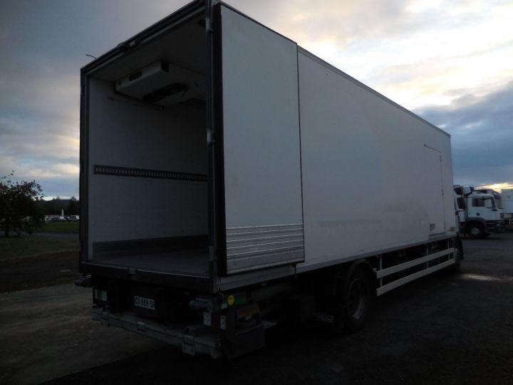 Camion porteur Renault Midlum Caisse frigorifique 300.18  - 3
