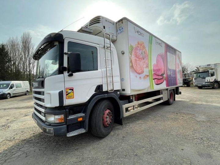 Camion porteur Scania D Caisse frigorifique 94D 260 CV PORTEUR COUCHETTE FRIGORIFIQUE PENDERIE A VIANDE  BLANC - 2