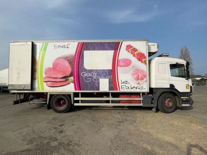 Camion porteur Scania D Caisse frigorifique 94D 260 CV PORTEUR COUCHETTE FRIGORIFIQUE PENDERIE A VIANDE  BLANC - 5
