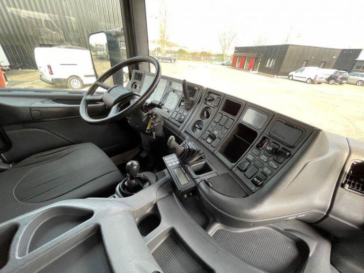 Camion porteur Scania D Caisse frigorifique 94D 260 CV PORTEUR COUCHETTE FRIGORIFIQUE PENDERIE A VIANDE  BLANC - 10
