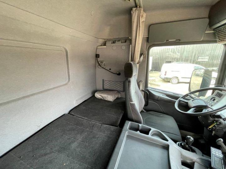 Camion porteur Scania D Caisse frigorifique 94D 260 CV PORTEUR COUCHETTE FRIGORIFIQUE PENDERIE A VIANDE  BLANC - 12