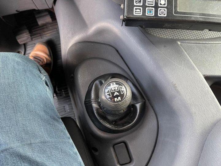 Camion porteur Scania D Caisse frigorifique 94D 260 CV PORTEUR COUCHETTE FRIGORIFIQUE PENDERIE A VIANDE  BLANC - 16