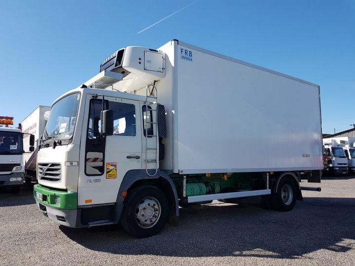 Camion porteur Volvo FL Caisse frigorifique 180.12 - FRIGO 25m3 - 154000 kms BLANC - VERT - 1